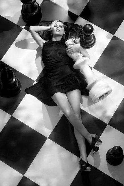 girl chess